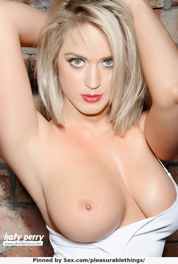5071557-blonde-katy-perry-topless-fake