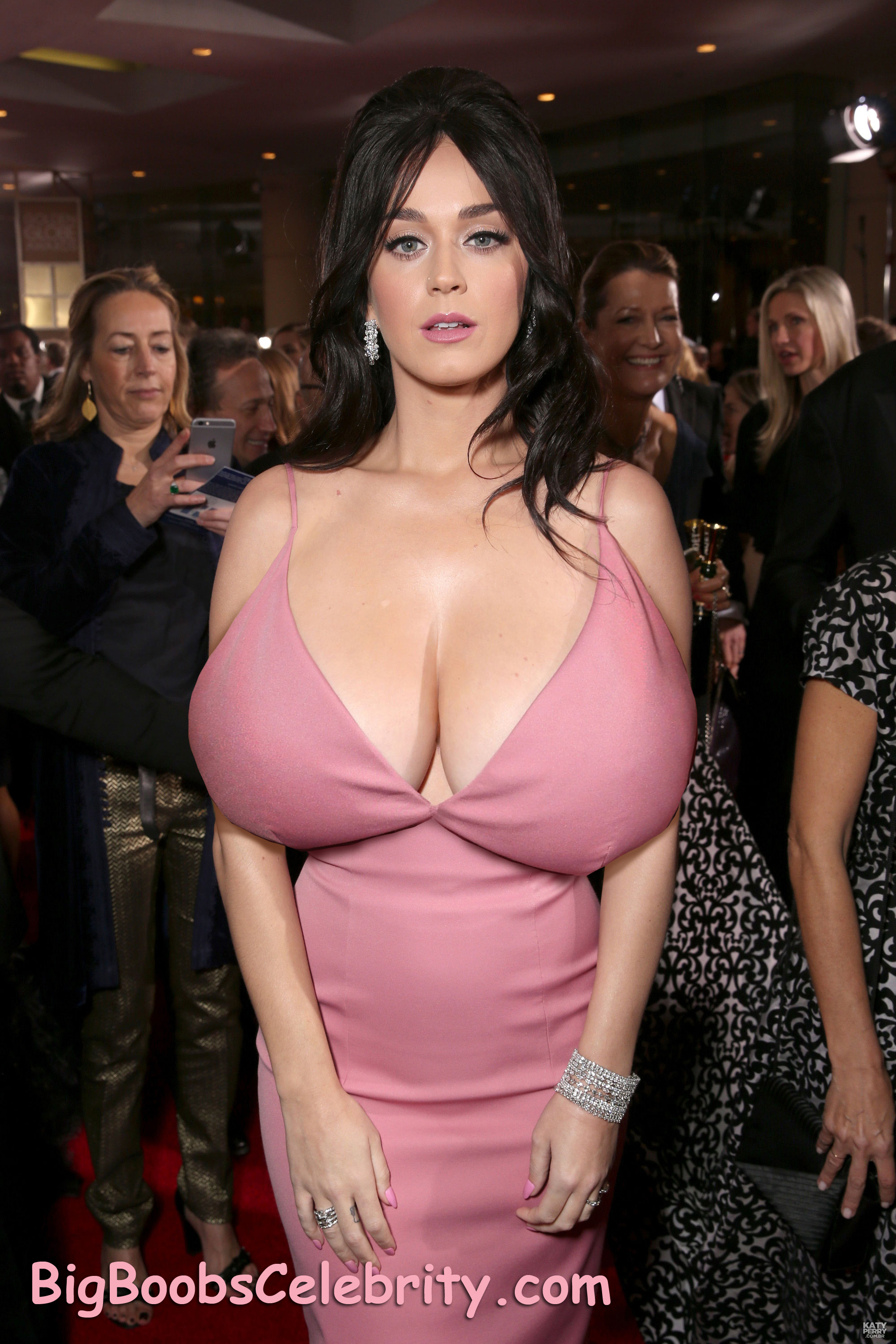 katy-perry-big-tits-expansion-1