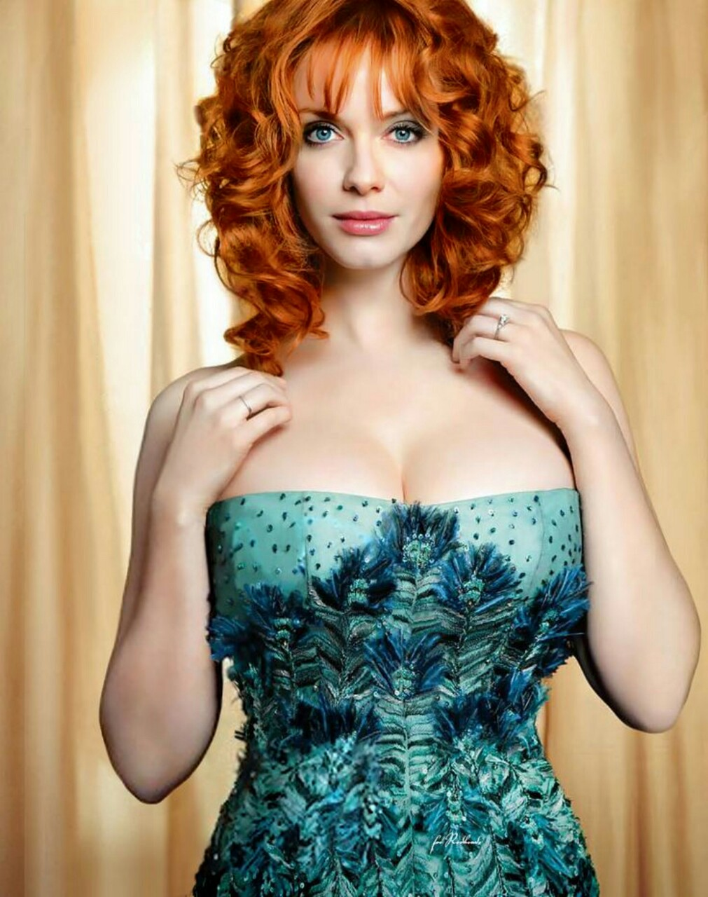 christina-hendricks-3