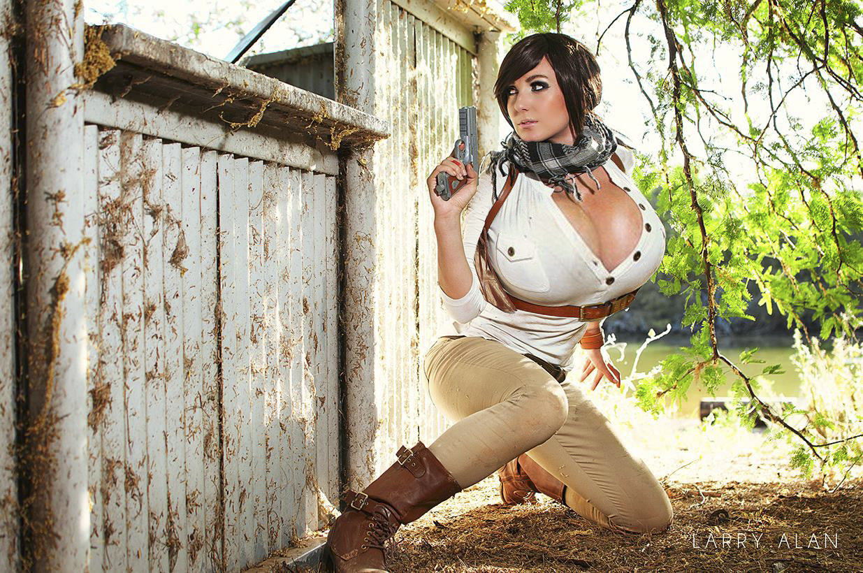 jessica-nigri-big-boobs-expansion-3