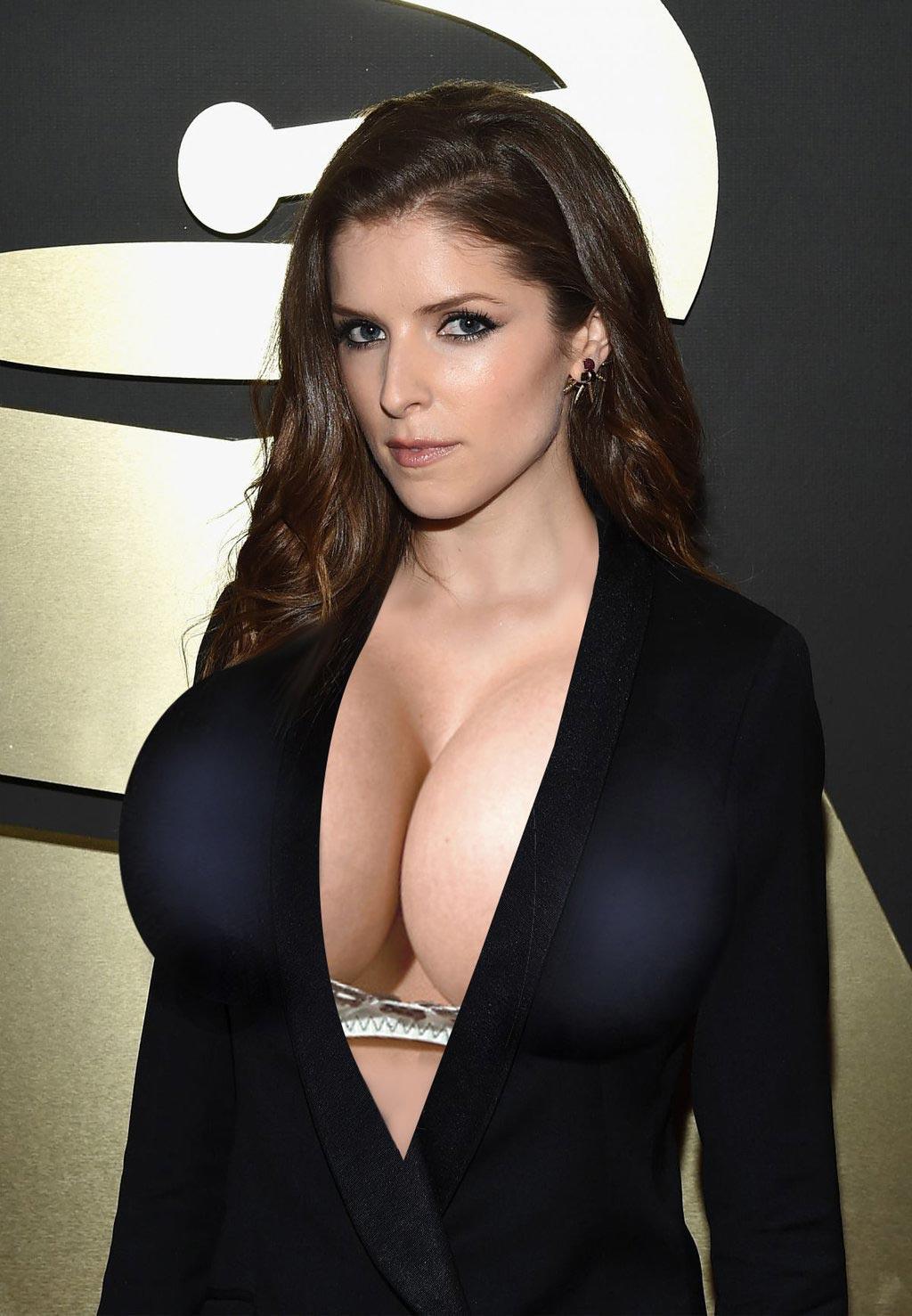 anna kendrick boobs naked